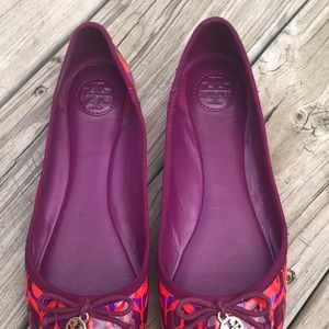 Tory Burch Shoes - Tory Burch Chelsea plum and red floral print flat